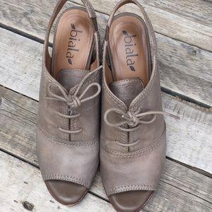 Peep toe platforms